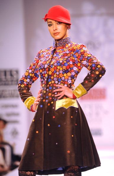Показ коллекции от Раджип и Нареш Шохан (Rajdeep and Naresh Chauhan) на Недели моды в Индии. Фото: RAVEENDRAN/AFP/Getty Images