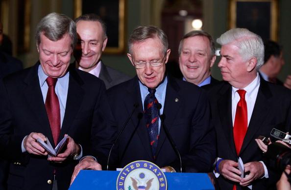 Верхня і нижня палати конгресу США прийняли закон про реформу охорони здоров'я. Фото: Mark Wilson / Getty Images