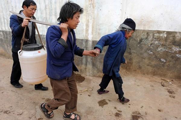Стихія невгамовна: посуха в Китаї. 2010 рік. Фото: AFP