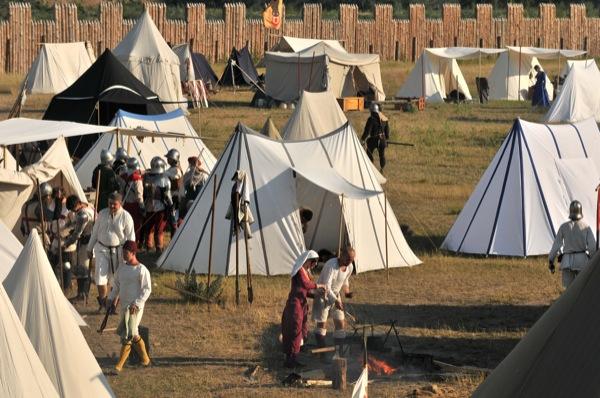 Военный лагерь 15 века на историческом фестивале в Парке Киевская Русь 18 июня 2011 года. Фото: Владимир Бородин/The Epoch Times Украина
