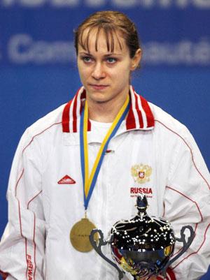 Страсбург, ФРАНЦІЯ: Росіянка Marina Shainova завоювала золоту медаль у ваговій категорії 58 кг на чемпіонаті Європи з важкої атлетики. Фото: OLIVIER MORIN/AFP/Getty Images