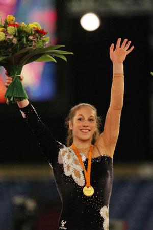 Амстердам, НІДЕРЛАНДИ: Carlotta Giovannini з Італії взяла золоту медаль під час чемпіонату Європи із спортивної гімнастики. Фото ARIS MESSINIS/AFP/Getty Images