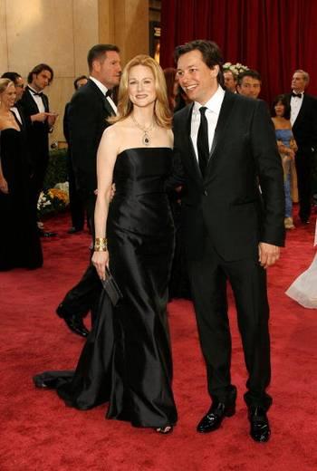 Актриса Лора Линни (Laura Linney) и Марк Шавер (Marc Schauer) посетили церемонию вручения Премии 'Оскар' в Голливуде Фото: Vince Bucci/Getty Images