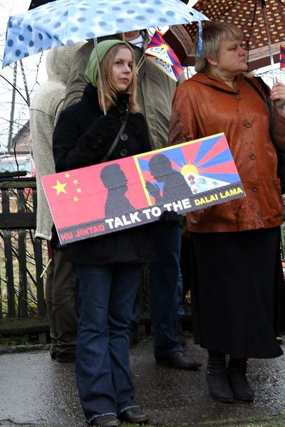 У столиці Латвії Ризі 10 квітня біля посольства Китаю пройшла мирна акція 'За вільний Тибет'. Фото: The Epoch Times