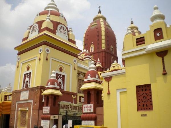 Храм зі свастикою в місті Делі. Фото: Наталя ОР'ЄН /Велика Епоха