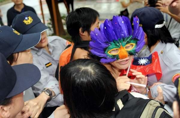 Во время визита Чень Юньлиня, часть тайваньцев выразили недовольство по поводу отношения китайской компартии к тибетцам. Фото: ЦАН