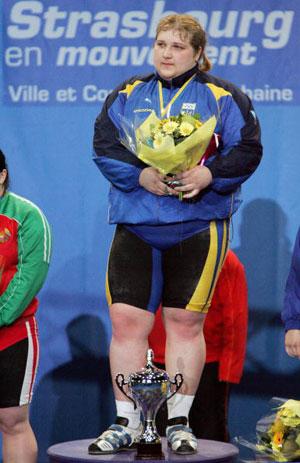 Страсбург, ФРАНЦІЯ: Українка Olha Korobka завоювала золоту медаль у ваговій категорії 71 кг на чемпіонаті Європи з важкої атлетики. Фото: OLIVIER MORIN/AFP/Getty Images
