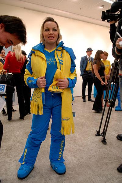У Києві 14 січня представили парадну форму та спортивне екіпірування Національної олімпійської збірної України для 21 зимових Олімпійських ігор у Ванкувері. Фото: Володимир Бородін / The Epoch Times