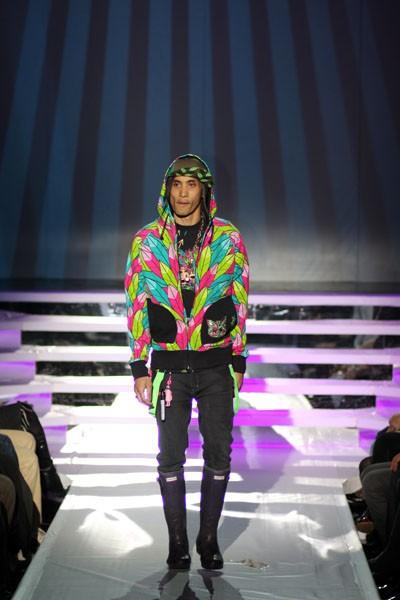 Неделя мода L'Oreal в Торонто. Коллекция от KidRobot фото: Сунь Тайли/The Epoch Times