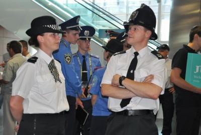 Полицейские из стран-участниц турнира
