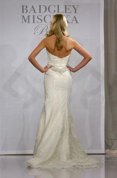 Показ весільної колекції Badgley Mischka у Нью-Йорку.фото:Getty Images