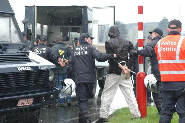 Затримані близько 500 пацифістів у штаб-квартири НАТО в Брюсселі