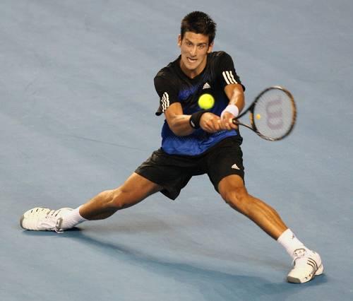 Новак Джоковіч (Сербія) (Novak Djokovic of Servia) під час Відкритого чемпіонату Австралії з тенісу в Мельбурні. Фото: WILLIAM WEST/AFP/Getty Images