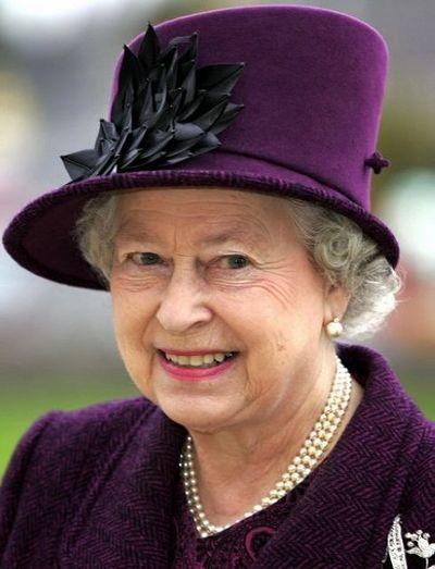 Модні капелюшки англійської королеви. Фото: AFP