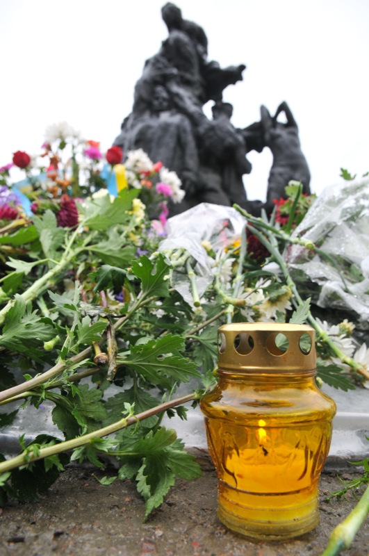 Общественность Киева почтила память погибших в Бабьем Яру в день 70-летия со дня трагедии. Фото: Владимир Бородин/The Epoch Times Украина