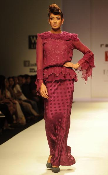 Показ коллекции от Джая Ратор (Jaya Rathore) на Недели моды в Индии. Фото: RAVEENDRAN/AFP/Getty Images