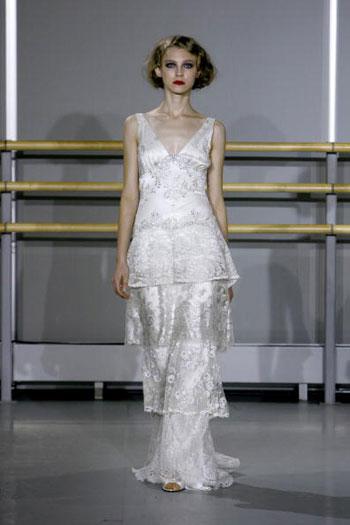 Колекція весільного вбрання від Claire Pettibone, що її було представлено у Нью-Йорку. Фото: Mat Szwajkos/Getty Images for Claire Pettibone