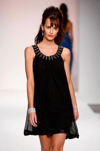 Колекція жіночих вечірніх суконь від Діни Бар-Ель (Dina Bar- El) на Тижні моди Mercedes-Benz Fashion Week у Калвер-Сіті (Каліфорнія). Фото: Frazer Harrison/Getty Images for Dina Bar-El