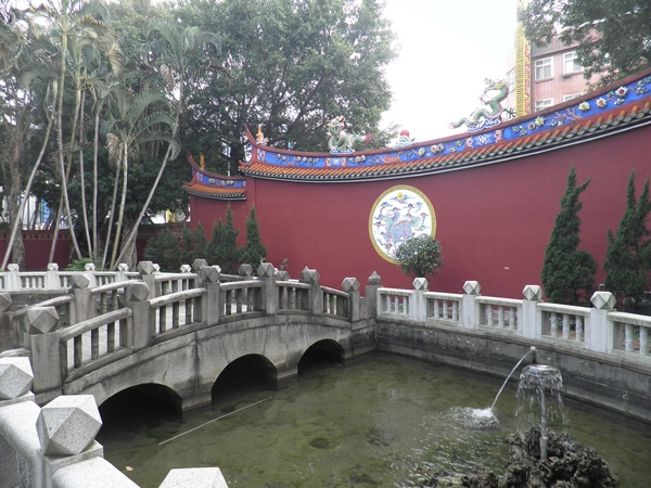 Фрагмент территории Храма Конфуция. Фото: Владо Ботка.