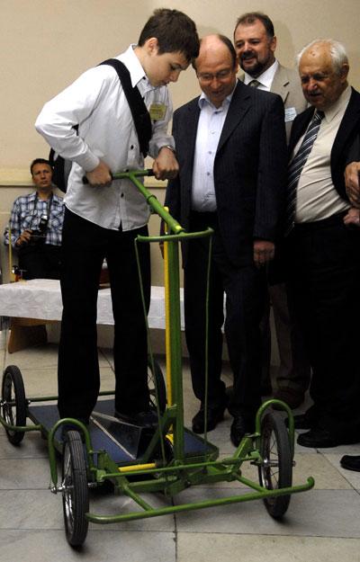 Чотириколісний самокат представлений на фестивалі 'Обдаровані діти України' в Києві 28 травня 2008 року. Фото: The Epoch Times