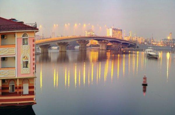 Новый Гаванский мост, где открылась арт-выставка. Фото: afisha.bigmir.net