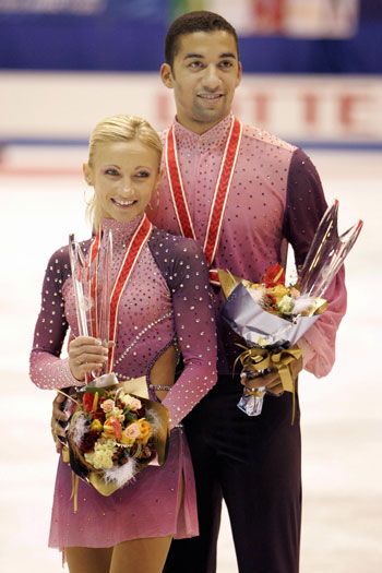Алена Савченко и Робин Жолковы (Германия). Фото: TORU YAMANAKA/AFP/Getty Images