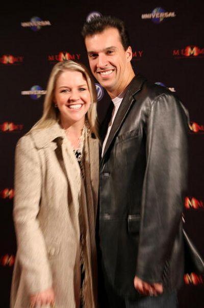 Мэтт Уэлш (Matt Welsh) и Лорен Ньютон (Lauren Newton) посетили премьеру фильма 'Мумия 3: Гробница Императора-Дракона', которая прошла 28 августа в Мельбурне. Фото: Robert Prezioso/Getty Images