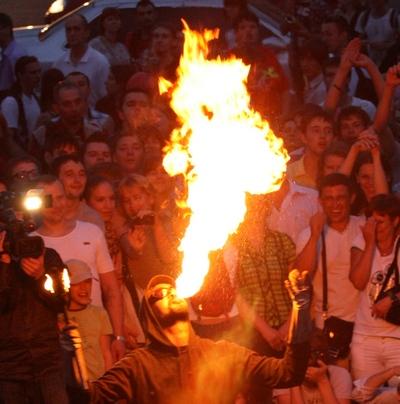 Киевский фестиваль огня: больше всех порадовали публику фаерщики. Фото: Евгений Довбуш/The Epoch Times Украина