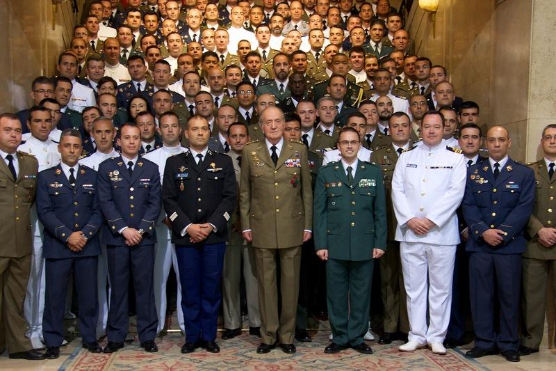 Мадрид, Испания, 29 июня. Король Испании Хуан Карлос I принял участие в мероприятии Генерального штаба испанской армии, посвящённом завершению академического года. Фото: Carlos Alvarez/Getty Images