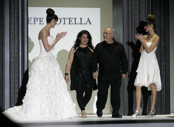 Дизайнер Pepe Botella і його дочка Lucia. Фото: JOSEP LAGO/AFP/Getty Images