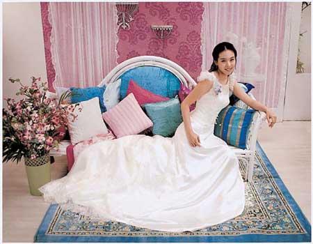 Южно-корейское свадебное платье. Фото с secretchina.com