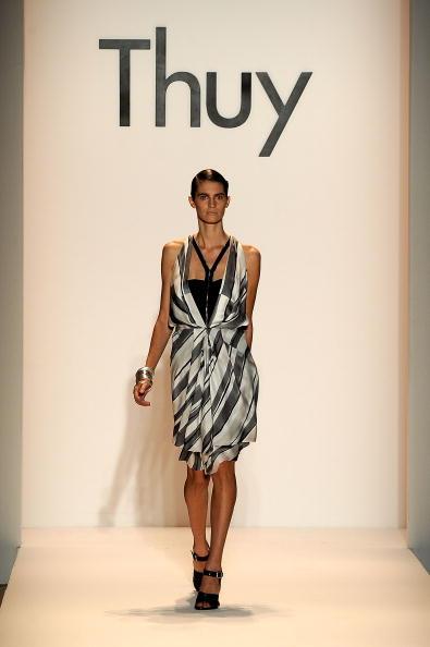 Колекція від Thuy 'Весна 2010'. Фото: Frazer Harrison/getty Images