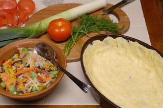 Продукты для приготовления овощного пая. Фото: Владимир Бородин/Великая Епоха