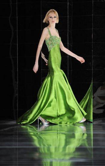 Коллекция женской одежды от ливанского дизайнера Тони Уорд (Tony Ward's), представленная 31 января на показе мод в Риме. Фото: FILIPPO MONTEFORTE / AFP / Getty Images