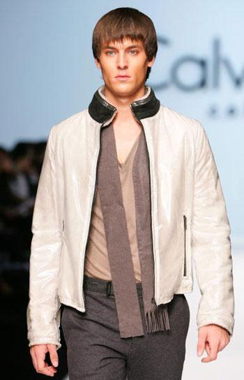 В Гонконге прошла неделя моды MasterCard Luxury Week. Коллекция одежды Кэлвина Кляйна (Calvin Klein). Фото: MN Chan/Getty Images