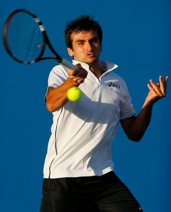 Серра Флоран (Франція) (Florent Serra of France) під час відкритого чемпіонату Австралії по тенісу. Фото: Lucas Dawson/Getty Images