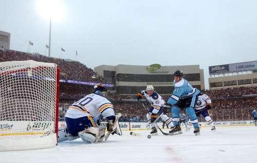 Під час матчу 'Баффало' - 'Пітсбург'. Фото: Dave Sandford/Getty Images
