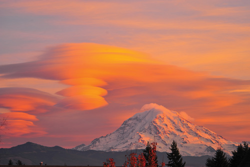 Незвичайні хмари. Фото: secretchina.com