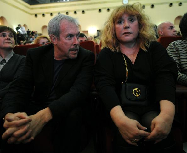 Макаревич и Пугачёва спели дуэтом за Прохорова