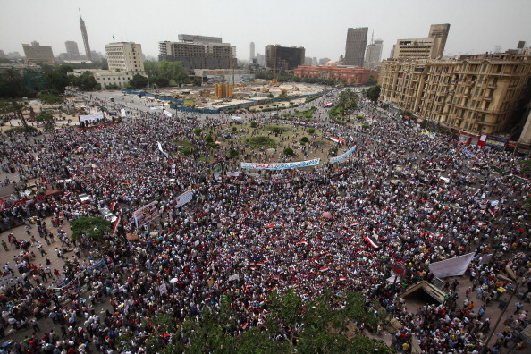 Демонстранты снова вышли на главную площадь Каира – Тахрир. Фото: Peter Macdiarmid/Getty Images