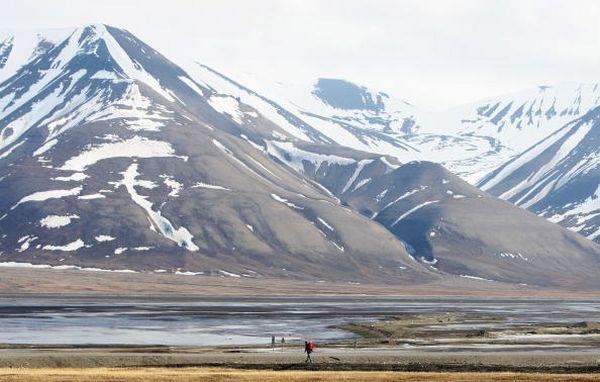 Лонгйербьєн (Longyearbyen). Арктична частина Норвегії . Фото: Chris Jackson/Getty Images