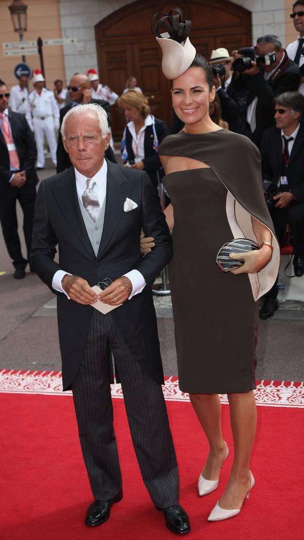 Джорджіо Армані з подругою на весіллі князя Монако ІІ і Шарлін Уіттсток. Фото: Dan Kitwood/Getty Images