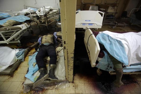 Команда из Международного комитета Красного Креста нашла 80 разлагающихся тел жертв боевых действий. Фото: Patrick Baz/Getty Images