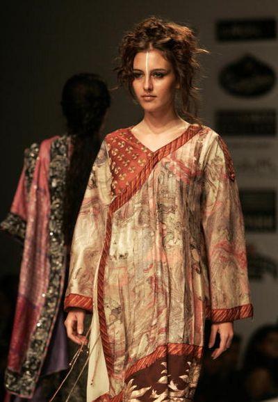 Коллекция от индийского дизайнера Abhishek. Фото: DESHAKALYAN CHOWDHURY/AFP/Getty Images