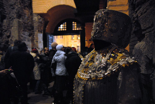 Стародавній костюм, виставлений на врочистій церемонії відкриття Золотих воріт. Фото: Володимир Бородін/Велика Епоха