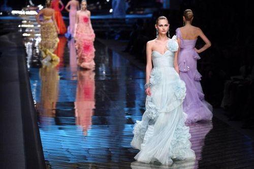 Кращі колекції жіночого одягу, представлені на показі мод в Парижі. Фото: AFP/Getty Images