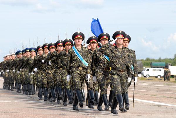 Українська армія готується до параду на День Незалежності.Фото: Володимир Бородін/The Epoch Times