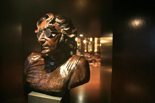Скульптура - Джон Леннон (John Lennon).Фото:Christopher Furlong/Getty Images