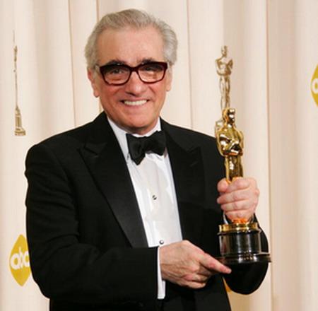 Фільм Мартіна Скорсезе (Martin Scorsese) 'Відступники' (The Departed) отримав чотири Оскара: у номінаціях 'За кращий фільм', 'За кращу режисуру', 'Кращий адаптований сценарій', 'Кращий монтаж'. Стрічка оповідає про історію двох людей, що знаходяться по рі