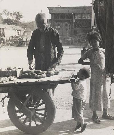 Пекин и его жители в 30-х годах. Фото: Hedda Morrison